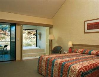 ‪Kings Canyon Resort‬