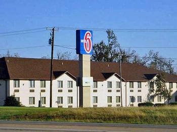Motel 6 Metropolis