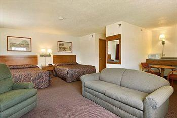 Wamego Inn & Suites