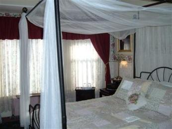 Candlelite Inn Bed & Breakfast