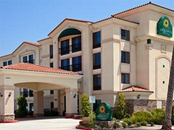 La Quinta Inn & Suites Hawaiian Gardens