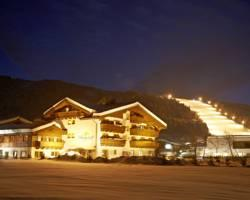 Photo of Hotel Bergzeit Flachau