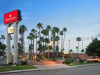 Ramada San Diego North Hotel and Conference Center