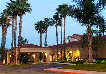 ‪Courtyard by Marriott Huntington Beach Fountain Valley‬