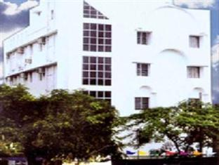 Photo of Hotel Royal Garden Kolkata (Calcutta)