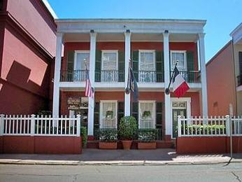 Photo of Le Richelieu in the French Quarter New Orleans
