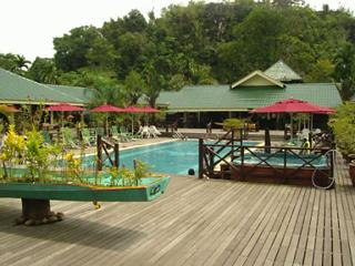Royal Mulu Resort