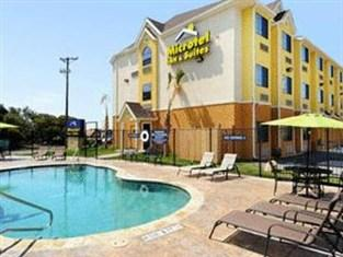 Microtel Inn & Suites by Wyndham New Braunfels