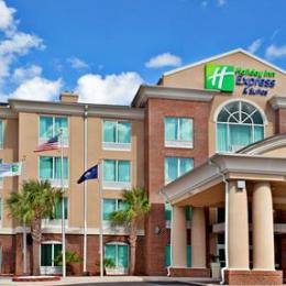‪Holiday Inn Express Hotel & Suites Florence I-95 @ Hwy 327‬