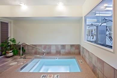 Holiday Inn Express Portland (Airport Area)