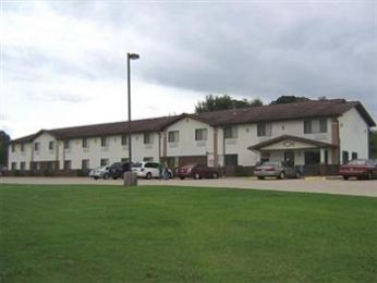 ‪Americas Best Value Inn & Suites-Cassville/Roaring River‬