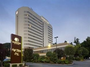 DoubleTree by Hilton Hotel Fort Lee - George Washington Bridge