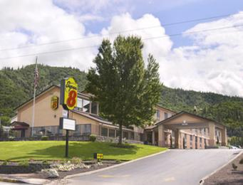 Grants Pass Super 8 Motel