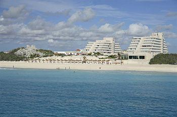 Piramides Cancun Beach Resort