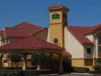 Photo of La Quinta Inn & Suites Fort Worth North