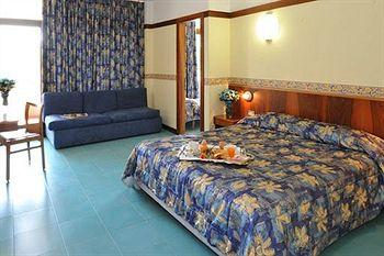 Photo of Hotel Le Palme  Garda
