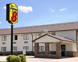 Super 8 Motel Dyersville