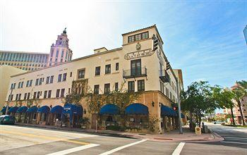 Photo of Hotel Place St. Michel Coral Gables