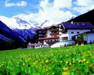Photo of Wellnesshotel Bergland Hintertux