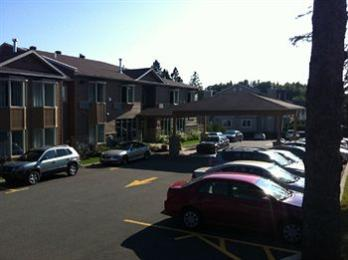 Photo of Quality Inn & Suites Le Versailles Saint Sauveur des Monts