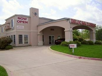 Photo of Delux Inn Express & Suites Dallas