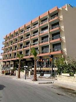 Photo of Canifor Hotel Qawra