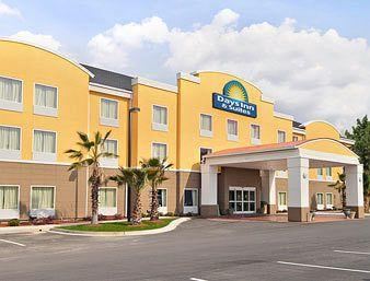 ‪Days Inn & Suites Port Wentworth-North Savannah‬