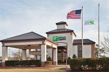 Photo of Holiday Inn Express New Bern