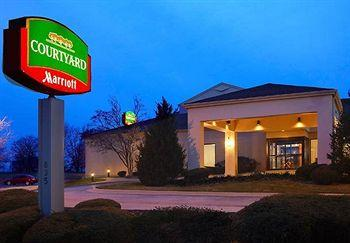 ‪Courtyard by Marriott Bettendorf Quad Cities‬