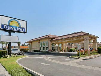Photo of Days Inn Anaheim Maingate