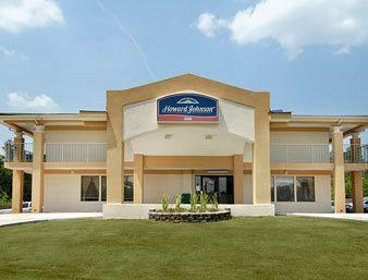 Howard Johnson Inn & Suites Marietta
