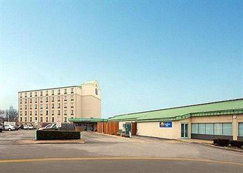 Photo of Comfort Inn The Pointe Niagara Falls