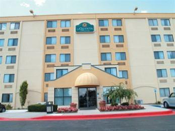 Photo of La Quinta Inn & Suites Baltimore North