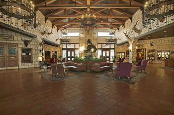 Y O Ranch Hotel & Conference Center