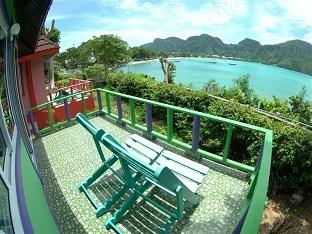 ‪Phi Phi ViewPoint Resort‬