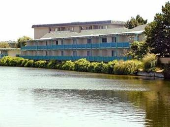 Photo of Coral Reef Inn & Suites Alameda