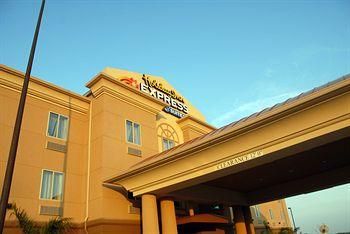 Photo of Holiday Inn Express Hotel & Suites Zapata