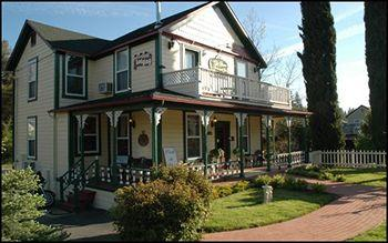 Photo of All Seasons Groveland Inn B&B