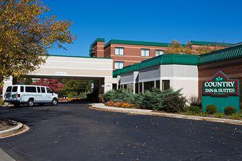 ‪Country Inn & Suites Naperville‬