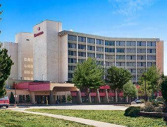 Howard Johnson Plaza Kansas City Hotel And Conference Center