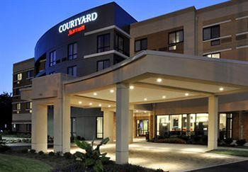 Courtyard Clarksville