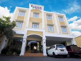 Summer Season Boutique Hotel