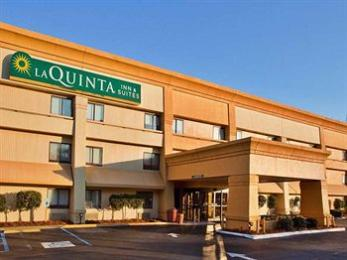 ‪La Quinta Inn & Suites Savannah Southside‬