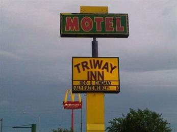 The Triway Inn Motel