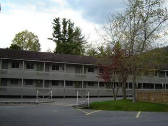 ‪Lake George Suites‬