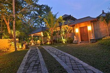 Kampung Ubud Villas