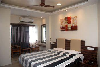Hotel Bandra Residency
