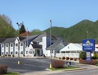 ‪Microtel Inn & Suites by Wyndham Maggie Valley‬