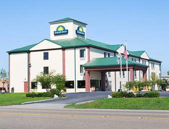 Photo of La Place Days Inn LaPlace