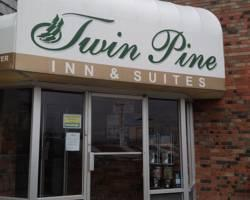 Twin Pine Motor Inn